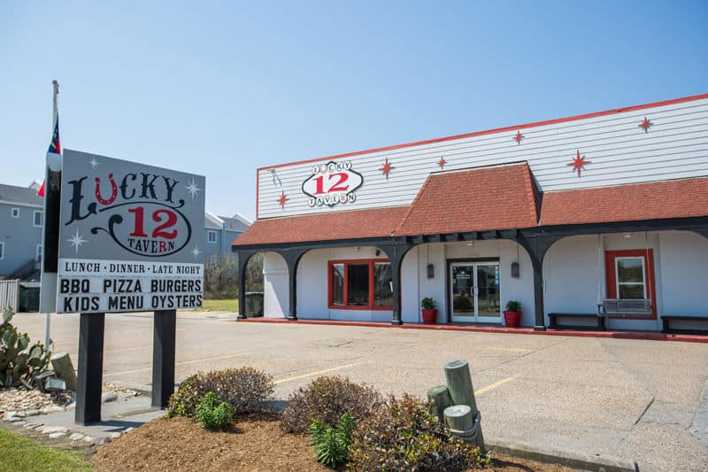 lucky 12 outer banks restaurant guide