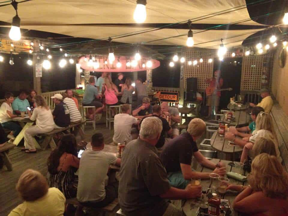 Mulligans Raw Bar Night Deck Photo with live music